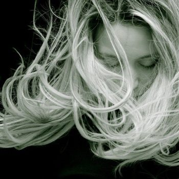 How to take care of your hair in the monsoon!