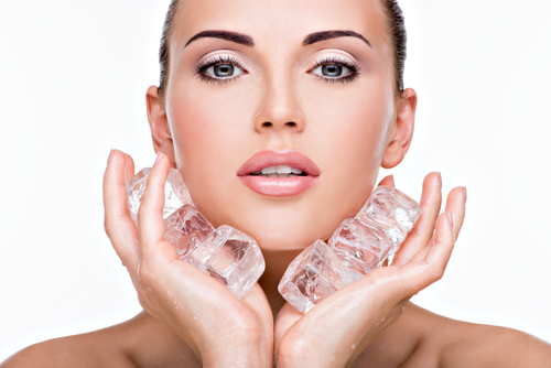 The Reason Why Everyone Love Ice Cubes For Skin|lazy girl's DIY