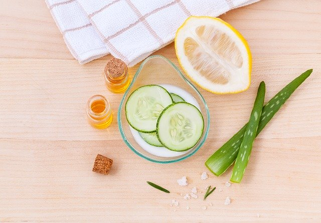 get glass clear skin with this easy aloe vera gel toner & face serum |lazy girl's DIY