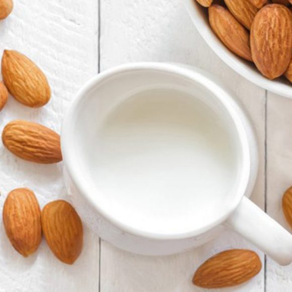 how to make an almond moisturizer for perfect skin | Lazy girl's DIY